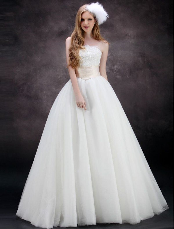 Places That Dye Wedding Dresses Dying Your Dress Is An Option If You Are Looking For Something In A Traditional Bridal Style But With Unusual